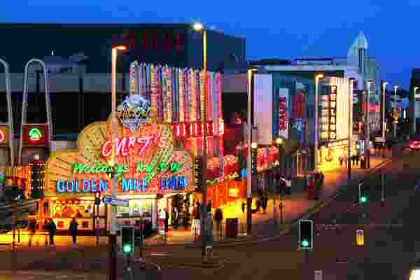 Top Bars to go to with Blackpool Escorts